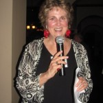 Barbara T. welcomes classmates, outlines agenda for banquet