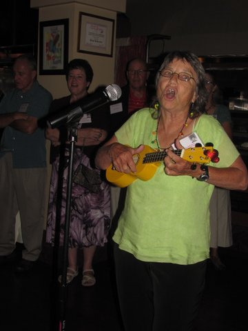 Bonnie summarizes the Music Meet Up with a rousing special version of WHEN THE SAINTS GO MARCHING IN on ukelele.